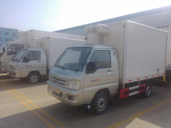 福田驭菱2.9米huo厢ling藏车