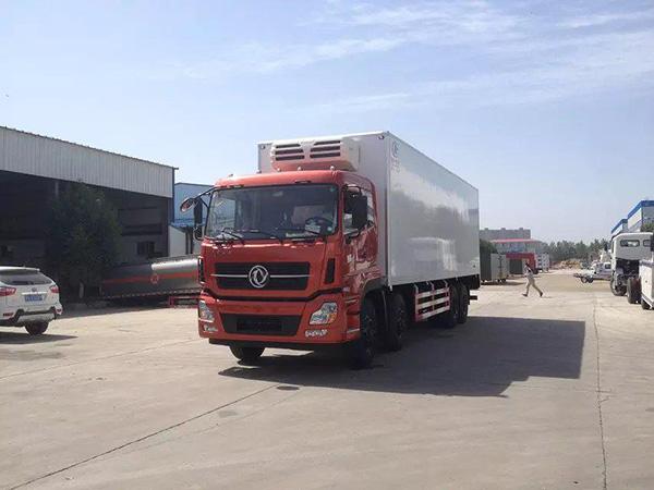 东风莃a暮骲a9.4米冷藏车
