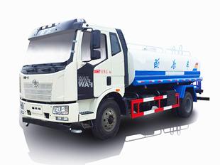 jie放14吨J6洒水车