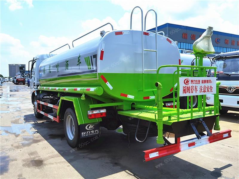 东风多利卡9吨洒水车