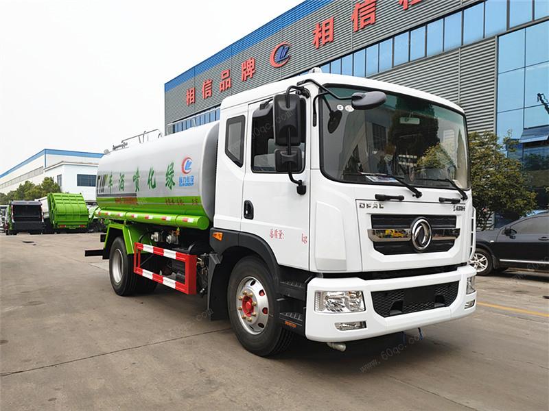 重庆用户购买东风多利卡国六15吨洒水车
