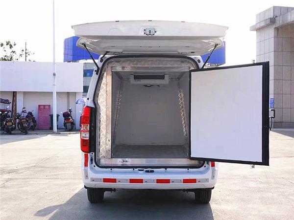 金杯X30L国六蓝牌冷藏车