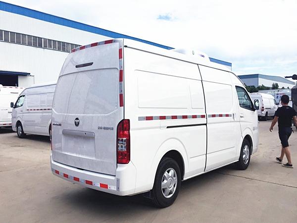 福田G9国六蓝牌面包冷藏车