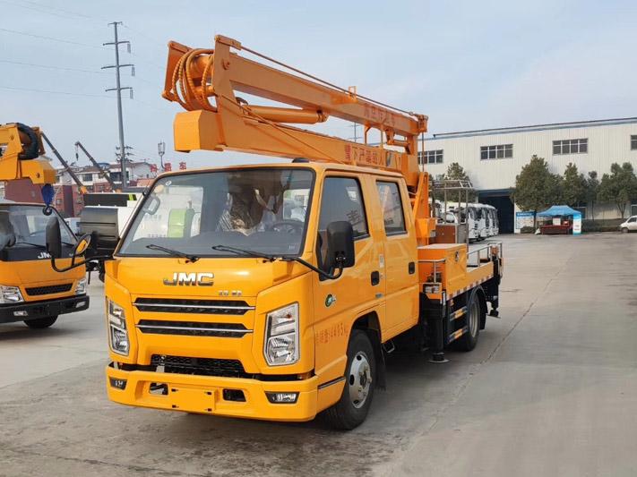 江铃双排12米高空作业车